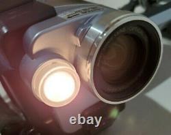 Sony vintage Japan Digital8 DCR-TRV350 Handycam Night vision 700 Zoom Camcorder