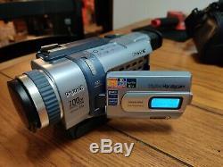 Sony Handycam Dcr-trv340 Digital8 Caméscope Avec Accessoires Et 4 Nouvelles Cassettes