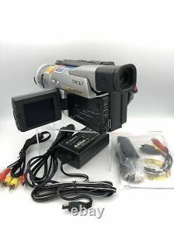 Sony Pal Handycam Camcorder Standard8/hi8/digital8 Transfert Vidéo (dcr-trv110e)